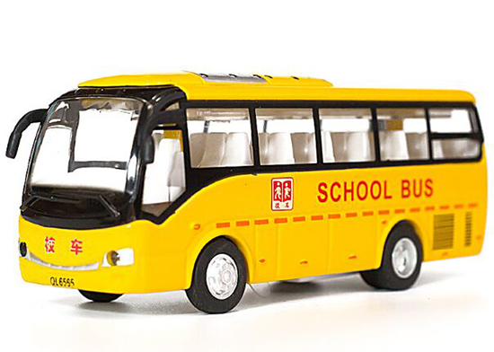 Bright Yellow Kids Die-Cast Chinese School Bus Toy