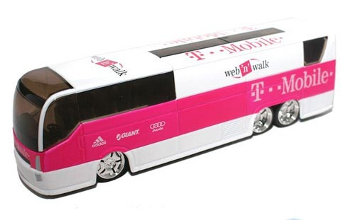 1:50 Scale Pink Germany T-Mobile Diecast Coach Bus Model