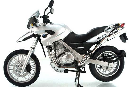 Red / Black / Silver 1:12 Scale BMW F650GS Motorcycle