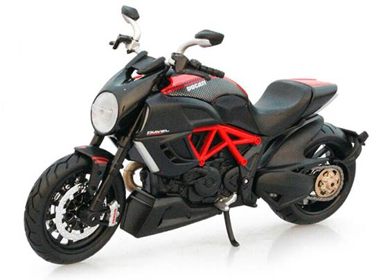 Red 1:12 Scale MaiSto Ducati Diavel Motorcycle