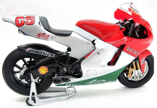 1:9 Scale Red ITALERI Ducati Desmosedici Model