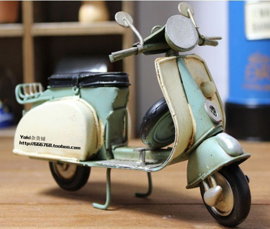 Red / Blue Tinplate 1959 Piaggio Vespa Motorcycle Model