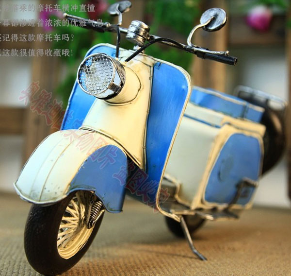 Blue-White Large Scale Tinplate Piaggio Vespa Motorcycle Model