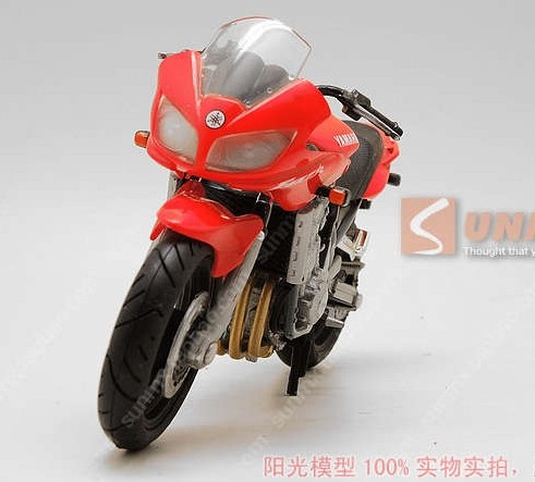 1:18 Scale Red Yamaha Fazer Motorcycle Toy