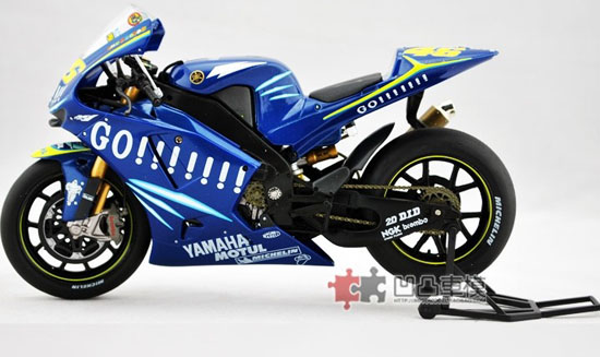 Blue 1:12 Scale YAMAHA 2004 YZR-M1 Motorcycle