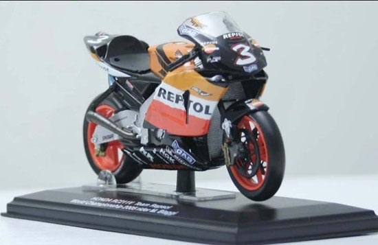 1:22 Scale Orange Honda RC211V 2005 Motorcycle Model