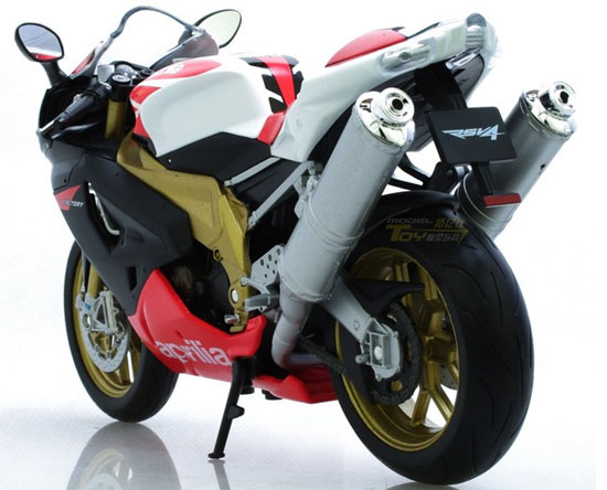 Red / White 1:10 Scale Welly Aprilia RSV 1000R FACTORY