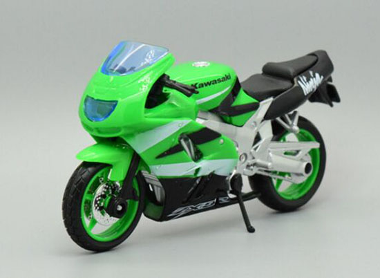 1:18 Scale Red / Green MaiSto Kawasaki Ninja ZX-9R