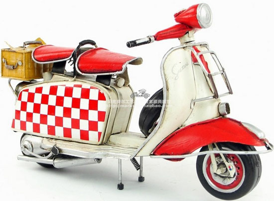 Red-White Medium Scale Lattice Design 1965 Vespa Model