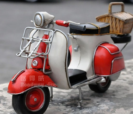 Red-White Large Scale Vintage 1959 Vespa GS 150 Model