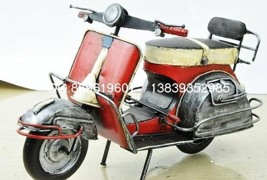 Medium Scale Red-Black Tinplate Vintage Vespa Model