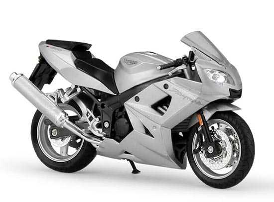 1:18 Scale Silver Welly Triumph Daytona 600 Motorcycle