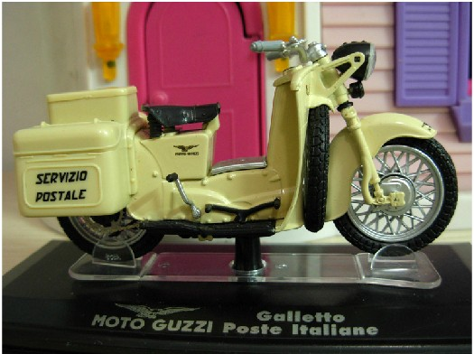 1:22 Scale Creamy White MOTO GUZZI Galletto Poste Model