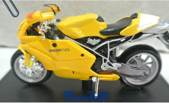 Yellow 1:18 Scale MaiSto Diecast DUCATI 749s Motorcycle Model