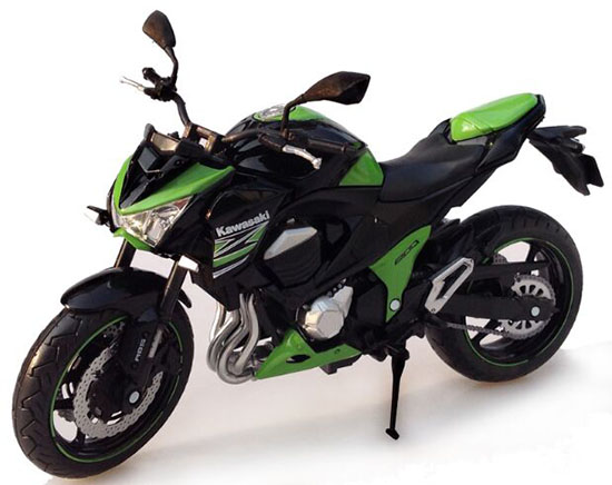 Black / Red / Green 1:12 Scale Die-Cast Kawasaki Z800 Model