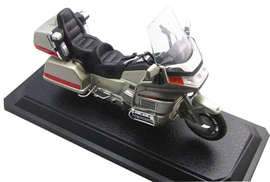 1:10 Scale Silver / Red Yatming Diecast Honda Gold Wing Model