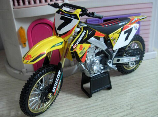 Yellow 1:12 Scale NewRay NO.7 Diecast Suzuki Motorcycle