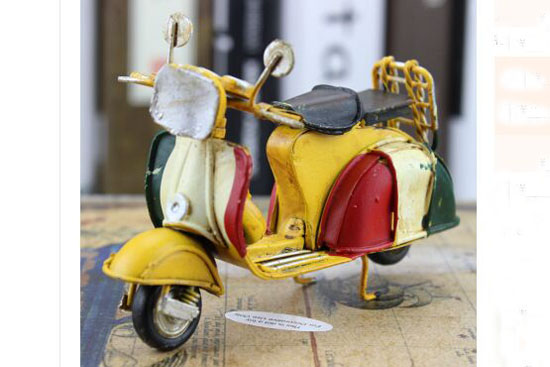 Handmade 1:12 Scale Vintage Colorful Tinplate Vespa Model