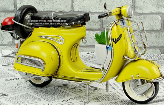 Handmade Medium Scale Red / Yellow 1959 Vespa GS150 Scooter