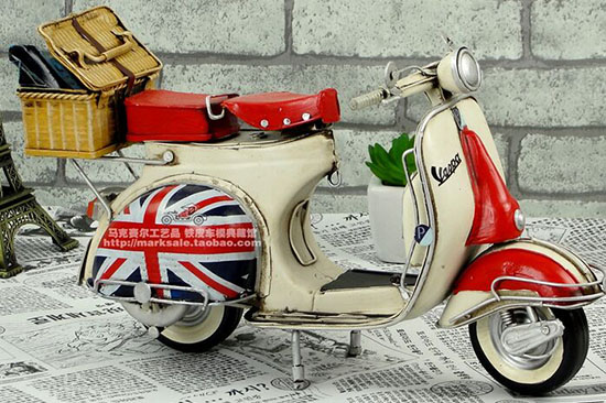 Red-White Handmade Medium Scale Vintage Vespa Scooter