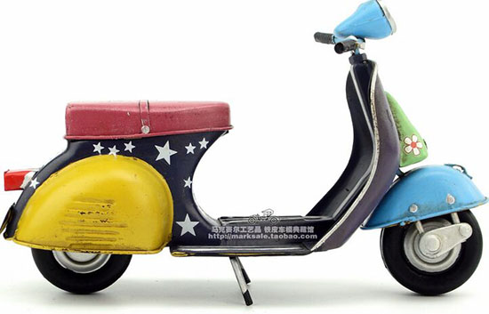 Colorful Painting Handmade Medium Scale 1969 Vespa Scooter