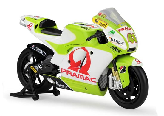 1:12 Green-White NewRay Diecast Ducati Pramac Racing Model
