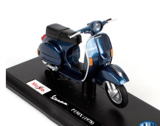 Blue 1:18 Maisto Diecast 1978 Vespa P150X Scooter Model