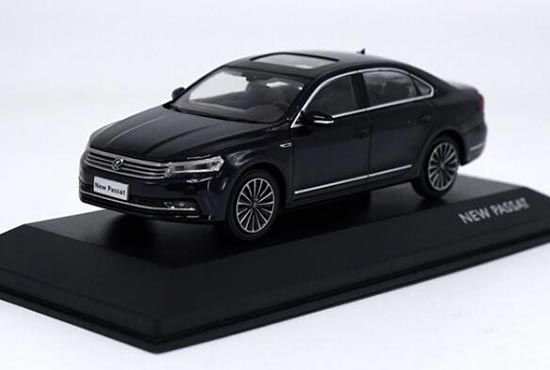 Black / Brown 1:43 Diecast Volkswagen New Passat 2016 Model