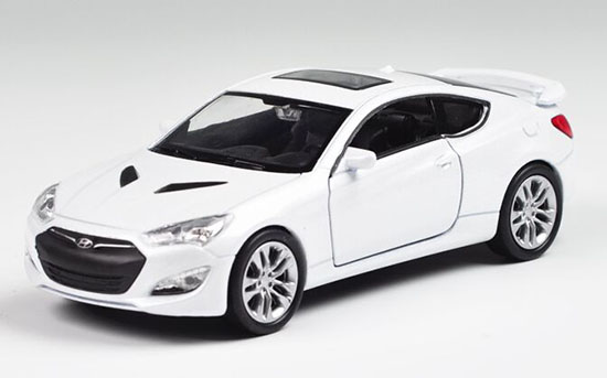 White Kids 1:36 Scale Welly Diecast Hyundai Genesis Coupe Toy