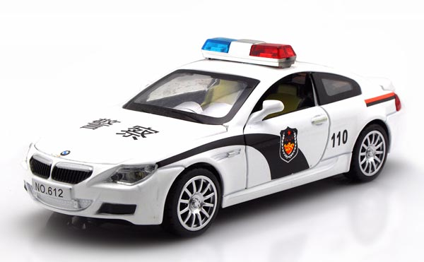 Kids 1:32 Black / White Police Diecast BMW M6 Toy