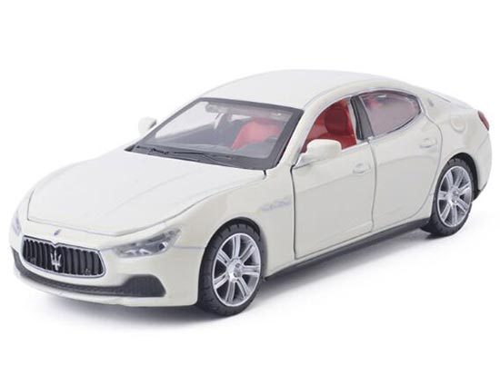 Red / White / Blue 1:32 Kids Diecast Maserati Ghibli Toy