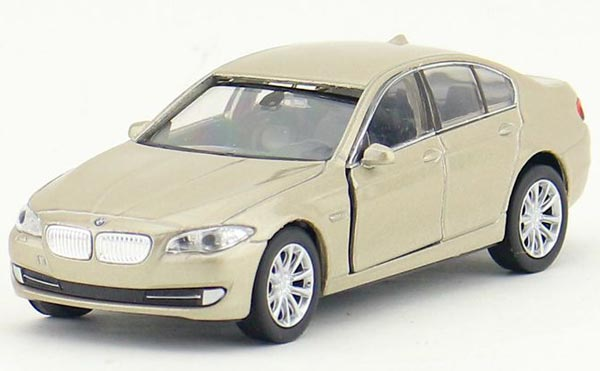 1:36 Scale Kids Golden / White Welly Diecast BMW 535i Toy