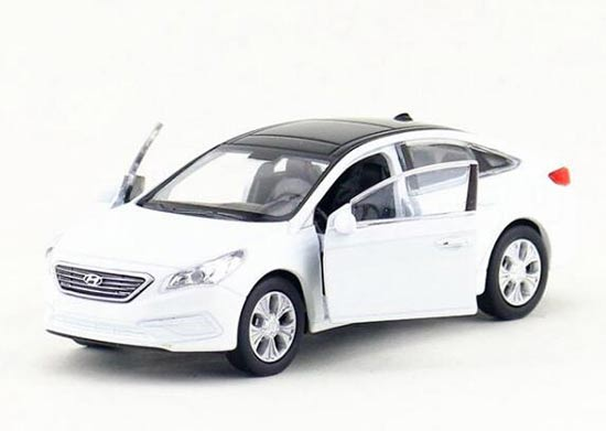 White Kids 1:36 Welly Diecast Hyundai Sonata Toy