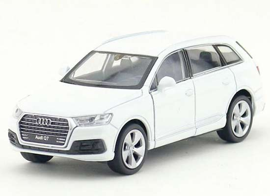 1:36 Kids White / Black Welly Diecast Audi Q7 SUV Toy