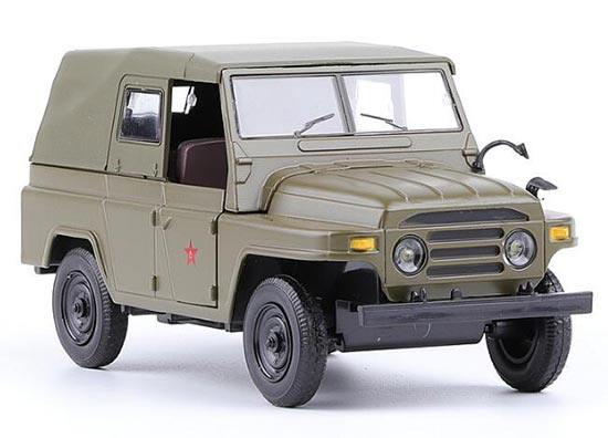 Army Green 1:32 Scale Kids Diecast BeiJing Jeep 212 Toy