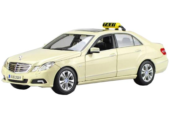 1 18 scale white maisto diecast mercedes benz e class taxi for Diecast mercedes benz